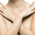 El Parlamento Europeo aprueba controlar más los productos médicos como los implantes de pecho